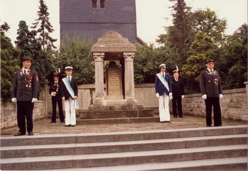 1978-Schuette-Schuetzenfest-Ehrenmal